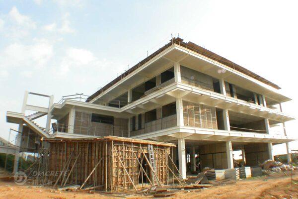 由於隔熱效果十分良好,中菱鑽泥板應用在屋頂及外牆隔熱的使用率很高